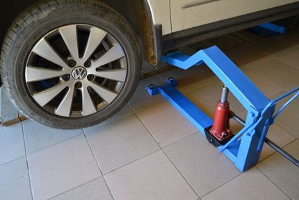 Подкатниє домкрати для автомобіля