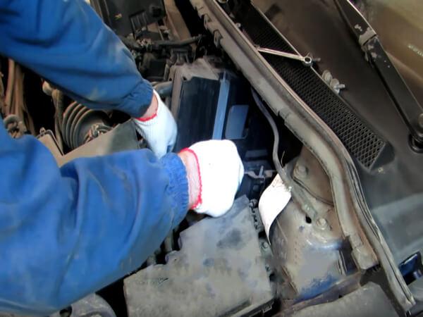 Заміна головного циліндра зчеплення на Ford Focus 2