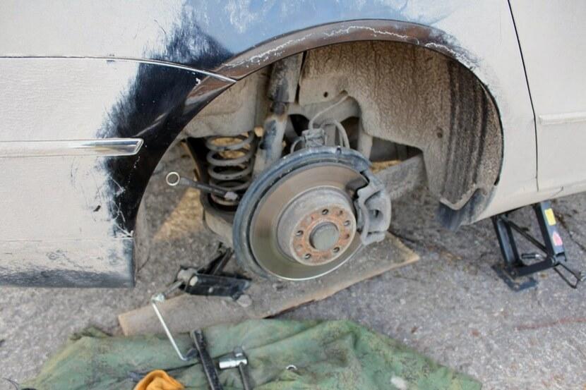 Заміна заднього амортизатора на Passat B6