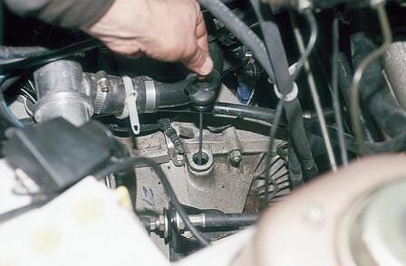 Заміна масла в КПП ВАЗ 2110